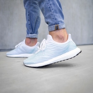 ウルトラブースト DNA Parley  / Ultraboost DNA Parley
