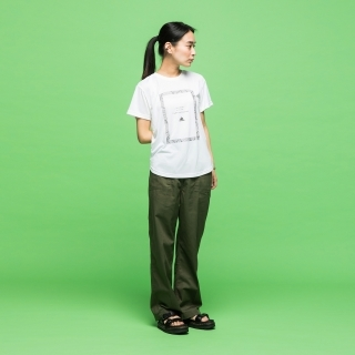 マストハブ タイポグラフィ 半袖Tシャツ / Must Haves Typography Tee