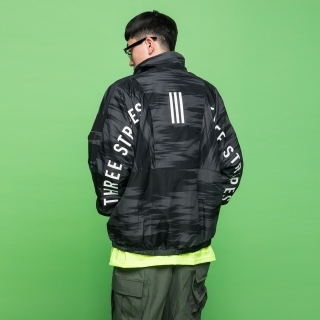 マストハブ グラフィックジャケット / Must Haves Graphic Jacket