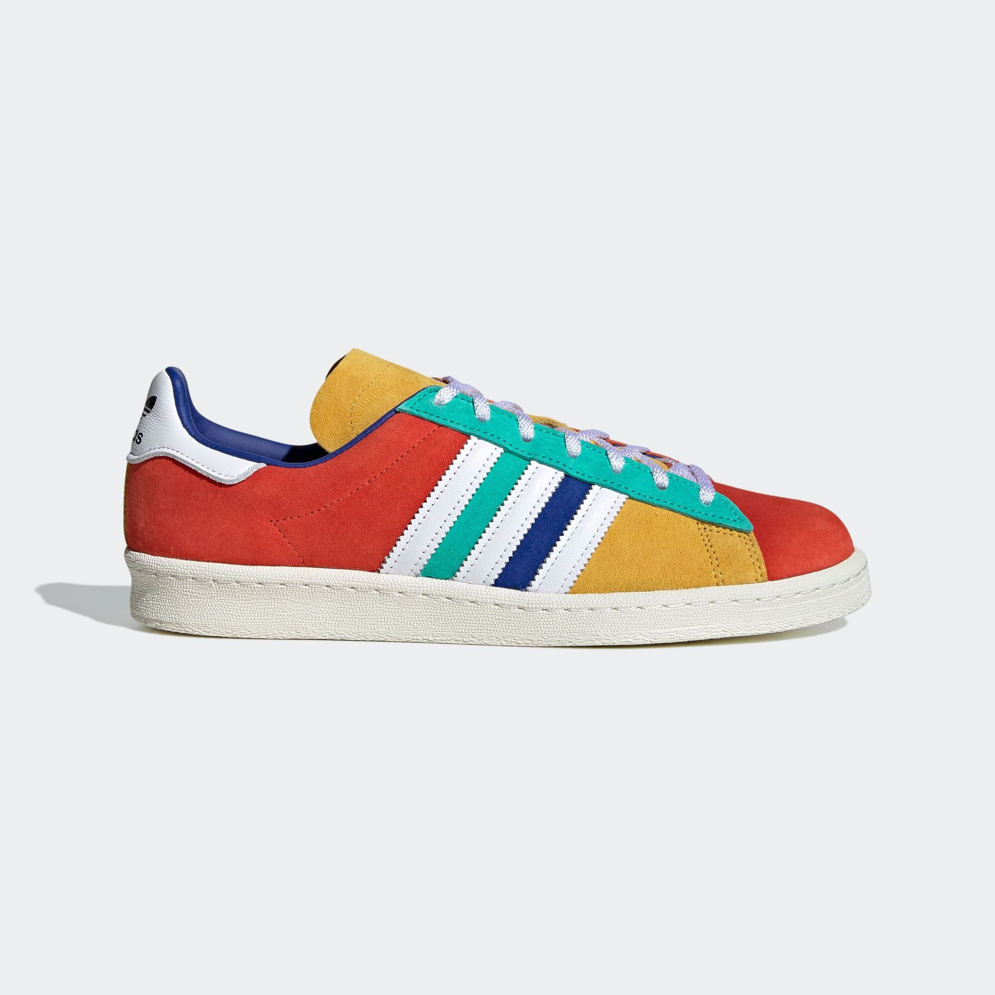 https://shop.adidas.jp/products/FW5167/